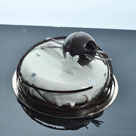 Торт DOLCE Муссовый торт «Новый Год Дарта Вейдера» - фото 1