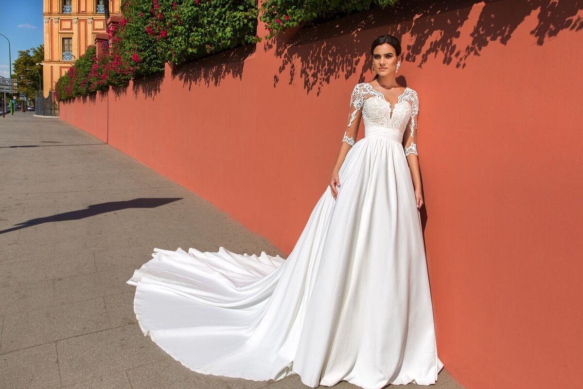 Свадебное платье напрокат Crystal Свадебное платье Simona - фото 1