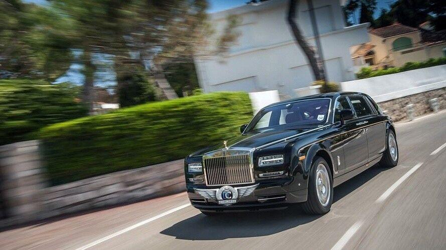 Прокат авто Rolls-Royce Phantom черного цвета - фото 2