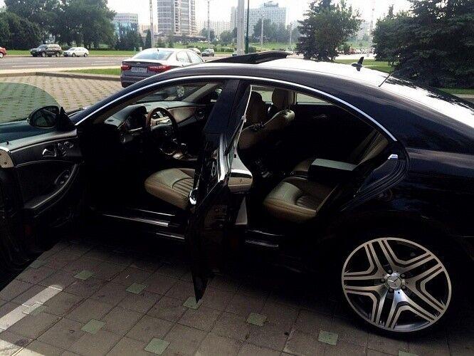 Прокат авто Mercedes-Benz W219 CLS Чёрного цвета - фото 3