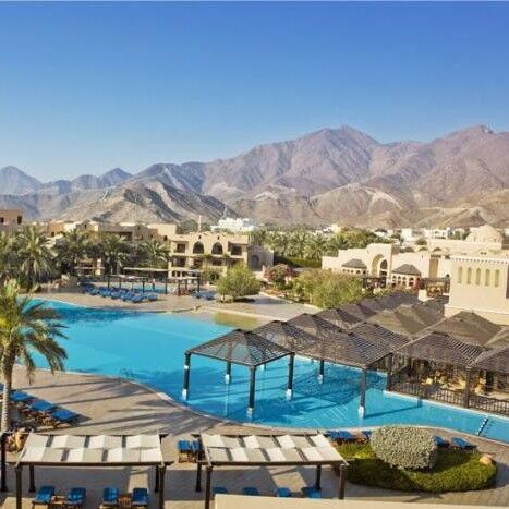 Туристическое агентство Denvi Travel Пляжный авиатур в ОАЭ, Фуджейра, Miramar Al Aqah Beach Resort 5* - фото 1