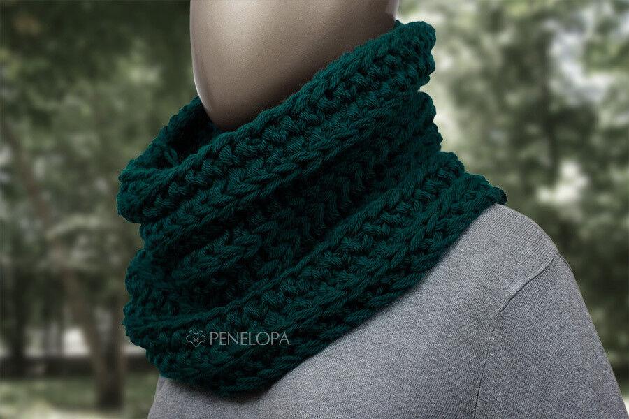 Шарф и платок PENELOPA Вязаный снуд темно-зеленого цвета с изумрудным оттенком M59 - фото 2