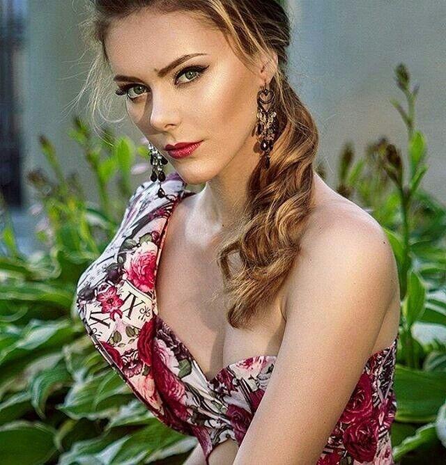 Вечернее платье Shkafpodrugi Яркий костюм из цветочной юбки и топа - фото 3