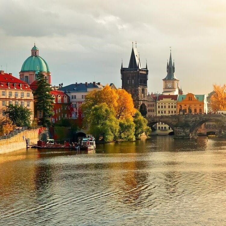 Туристическое агентство Элдиви Автобусный экскурсионный тур «Выходные в Праге» - фото 1