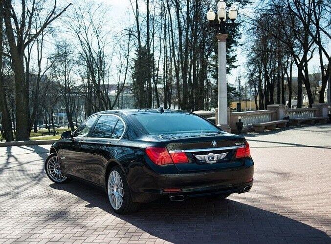 Прокат авто BMW F02 7 series черного цвета - фото 5