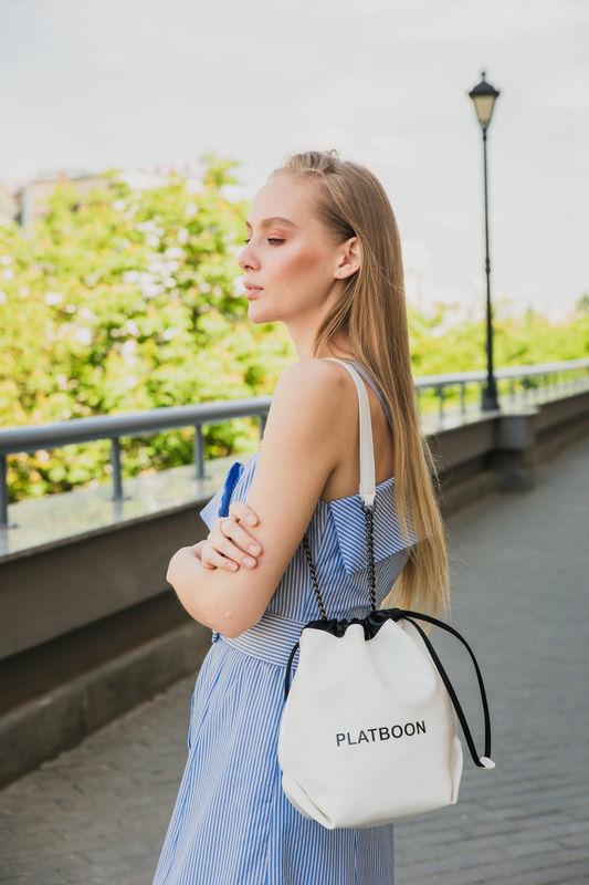 Магазин сумок It's me! (Это Я!) Сумочка экокожа в белом и черном цвете - фото 2