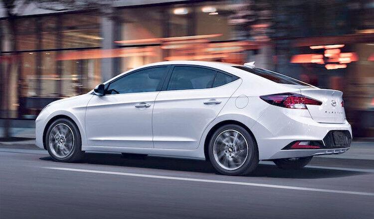 Прокат авто Hyundai Elantra 2019 AT - фото 3