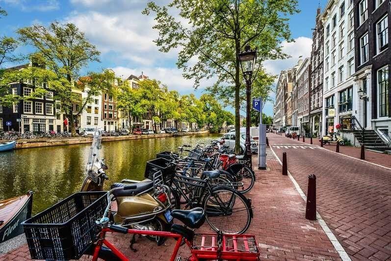 Туристическое агентство Внешинтурист Экскурсионный автобусный тур F4 «Первое знакомство: Париж + Амстердам + Прага» - фото 3