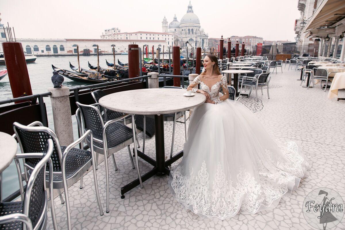 Свадебный салон Bonjour Galerie Свадебное платье «Feydra» из коллекции LE DELICE - фото 5