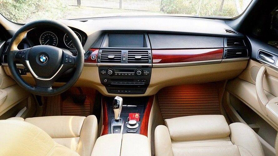 Прокат авто BMW X5 белого цвета - фото 4