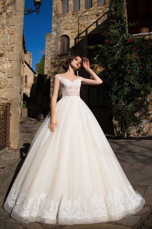Свадебный салон Bonjour Свадебное платье «Niks» из коллекции LA SENSUALITE 2017 - фото 3
