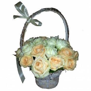 Магазин цветов Ветка сакуры Корзина из 31 розы - фото 1