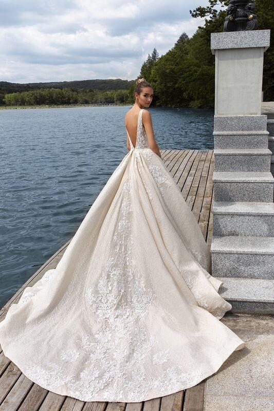 Свадебное платье напрокат Crystal Taffi - фото 3