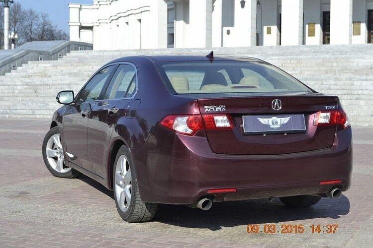 Аренда авто Acura TSX вишневого цвета - фото 3