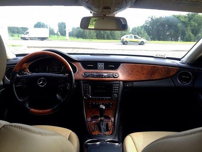 Прокат авто Mercedes-Benz W219 CLS Чёрного цвета - фото 5