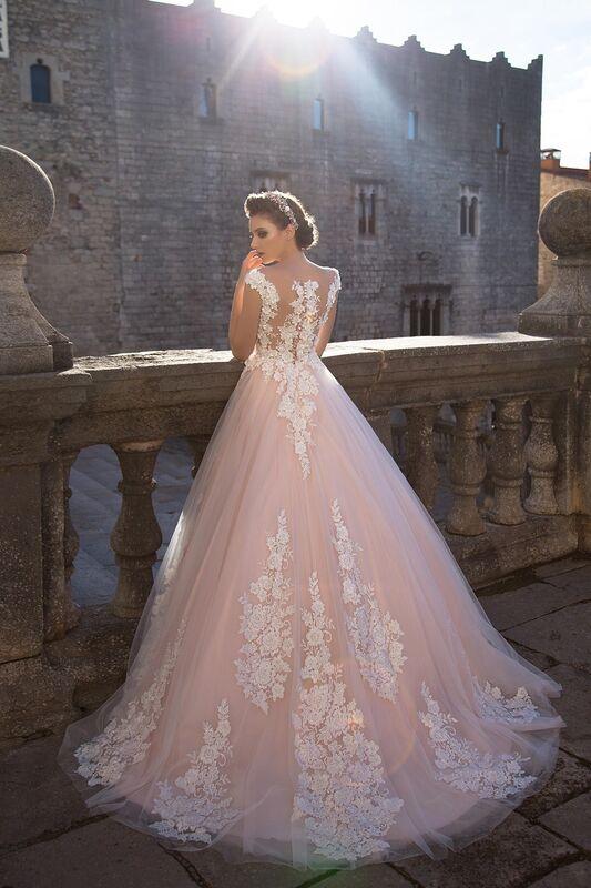 Свадебный салон Bonjour Свадебное платье «Pina» из коллекции LA SENSUALITE 2017 - фото 2