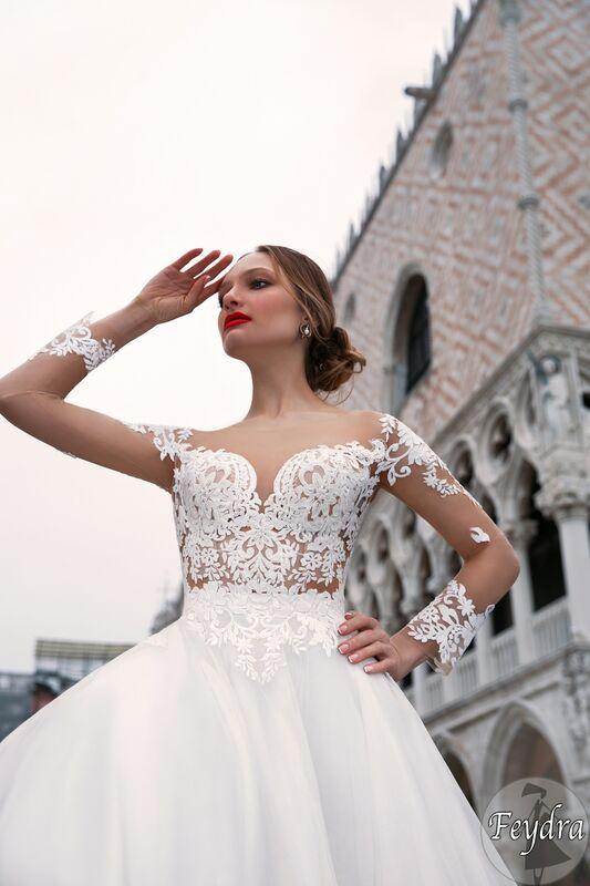 Свадебный салон Bonjour Galerie Свадебное платье «Feydra» из коллекции LE DELICE - фото 2