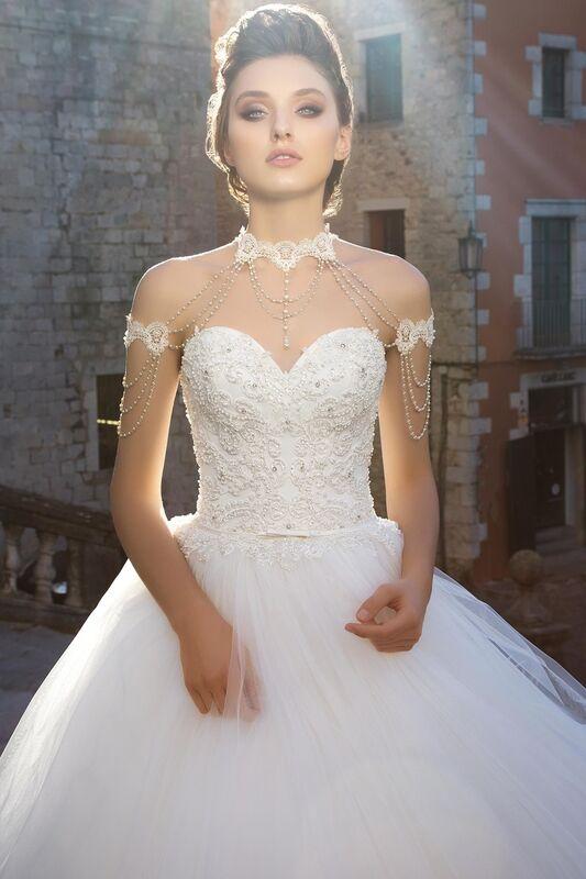 Свадебное платье напрокат Bonjour Платье свадебное «Dolores» из коллекции LA SENSUALITE 2017 - фото 4