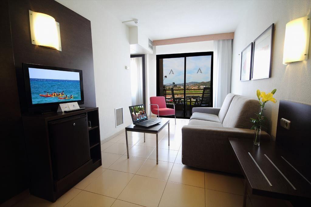 Туристическое агентство Jimmi Travel Пляжный авиатур в Испанию, Санта-Сусанна, Aqua Hotel Montagut 4* - фото 3