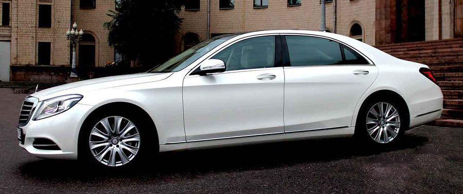 Прокат авто Mercedes-Benz W222 S-class белого цвета - фото 2
