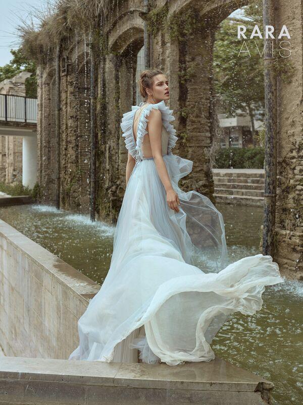 Свадебный салон Rara Avis Свадебное платье Floral Paradise Tisa - фото 3