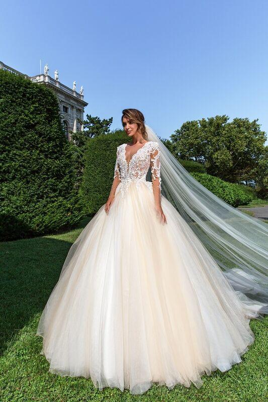 Свадебное платье напрокат Crystal Belle - фото 1