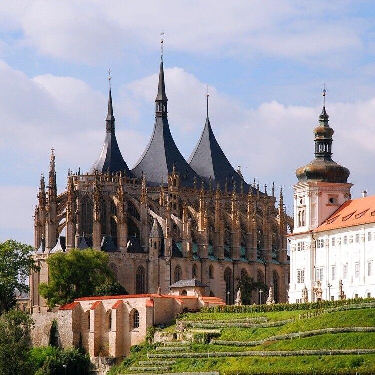 Туристическое агентство Сэвэн Трэвел Экскурсионный автобусный комфорт-тур в Чехию, Баварию и Австрию на 6 дней - фото 1
