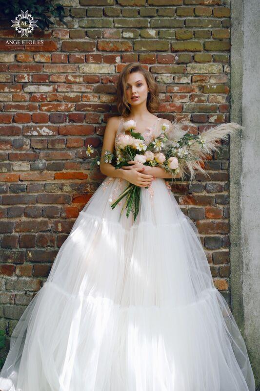 Свадебный салон Ange Etoiles Свадебное платье AEriality Collection  Lis - фото 1