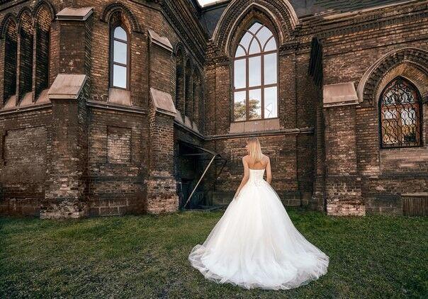 Свадебное платье напрокат Shkafpodrugi Свадебное платье с корсетом и открытыми плечами 0004-16 - фото 3