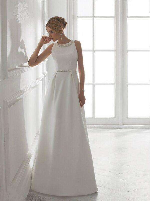 Свадебное платье напрокат Destiny Collection Платье свадебное 1524 - фото 1