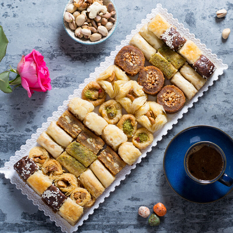 Подарок на Новый год Pate D`or Ливанские сладости ассорти «Оронт», 600 гр - фото 1