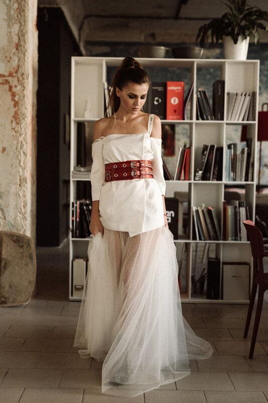 Вечернее платье Кураж Вечернее платье белое с красным поясом - фото 1