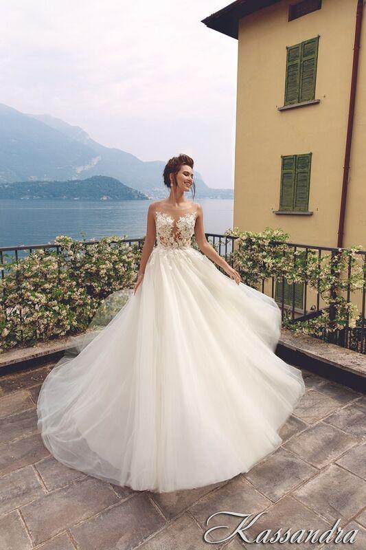 Свадебный салон Bonjour Galerie Свадебное платье Kassandra из коллекции Royal Luxury - фото 1
