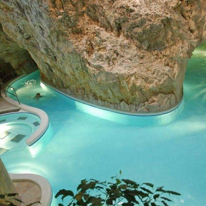 Туристическое агентство Сэвэн Трэвел Автобусный Spa-тур в Венгрию: Пещерные купальни Мишкольц – Токай* - Эгер – Турецкие бани Эгера - фото 1