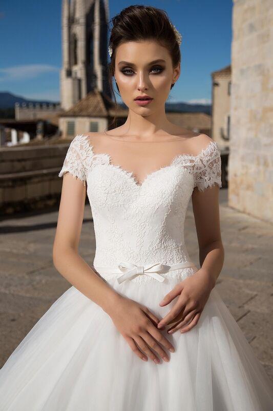 Свадебное платье напрокат Bonjour Платье свадебное «Dayona» из коллекции LA SENSUALITE 2017 - фото 2