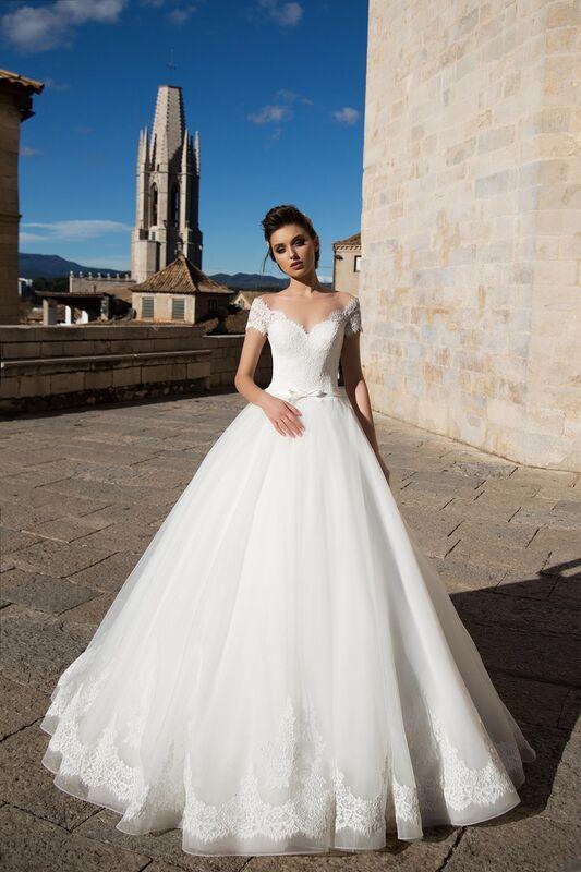 Свадебное платье напрокат Bonjour Платье свадебное «Dayona» из коллекции LA SENSUALITE 2017 - фото 1