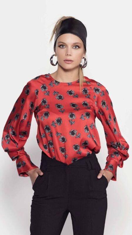Кофта, блузка, футболка женская It's me! (Это Я!) Красная блузка в цветочки - фото 1