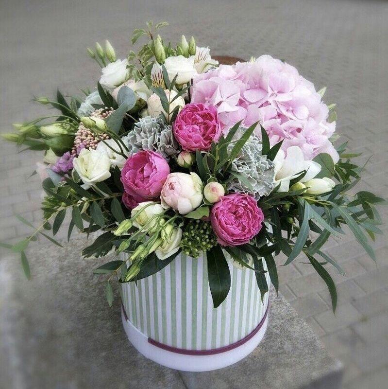 Магазин цветов Прекрасная садовница Цветочная композиция с садовыми розами - фото 1
