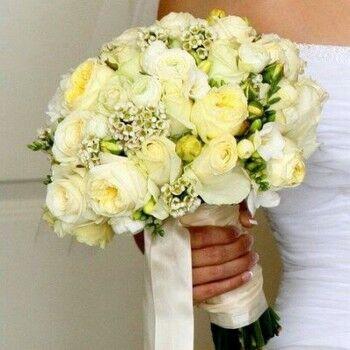 Магазин цветов Ветка сакуры Свадебный букет № 63 - фото 1