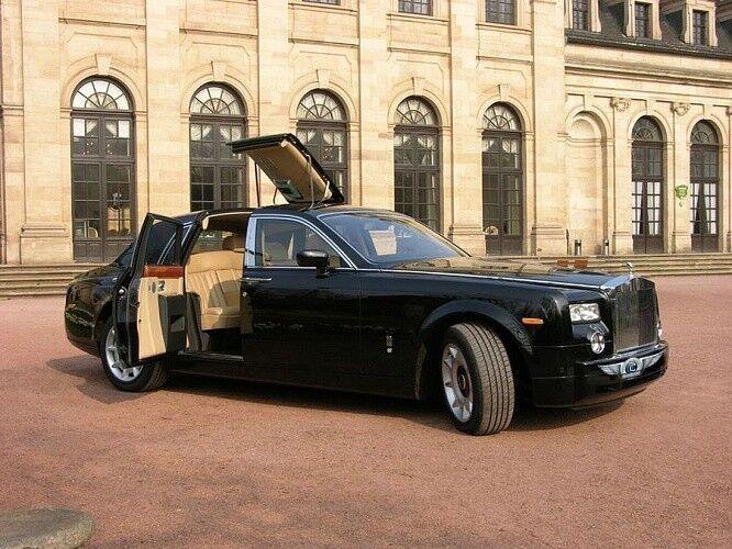 Прокат авто Rolls-Royce Phantom черного цвета - фото 4