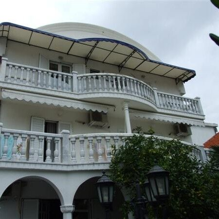 Туристическое агентство Клеопатра-тур Авиатур в Черногорию, Будва, Villa Petrova 3* - фото 1