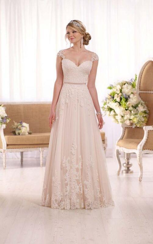 Свадебное платье напрокат Essense of Australia Платье свадебное D1999 - фото 1