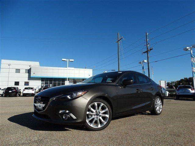 Прокат авто Mazda 3 серебристого цвета - фото 1