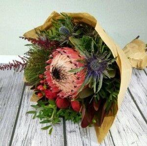 Магазин цветов Прекрасная садовница Букет с протеей - фото 1