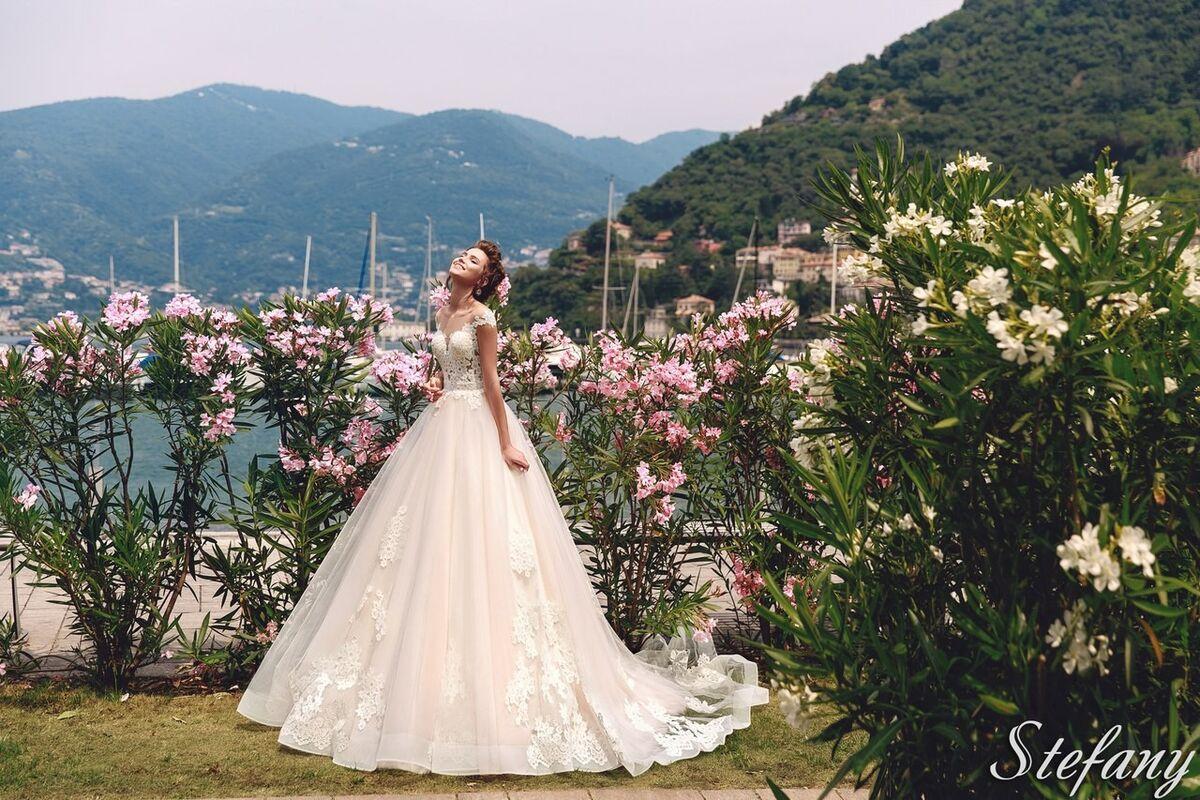 Свадебный салон Bonjour Galerie Свадебное платье Stefany из коллекции Royal Luxury - фото 3