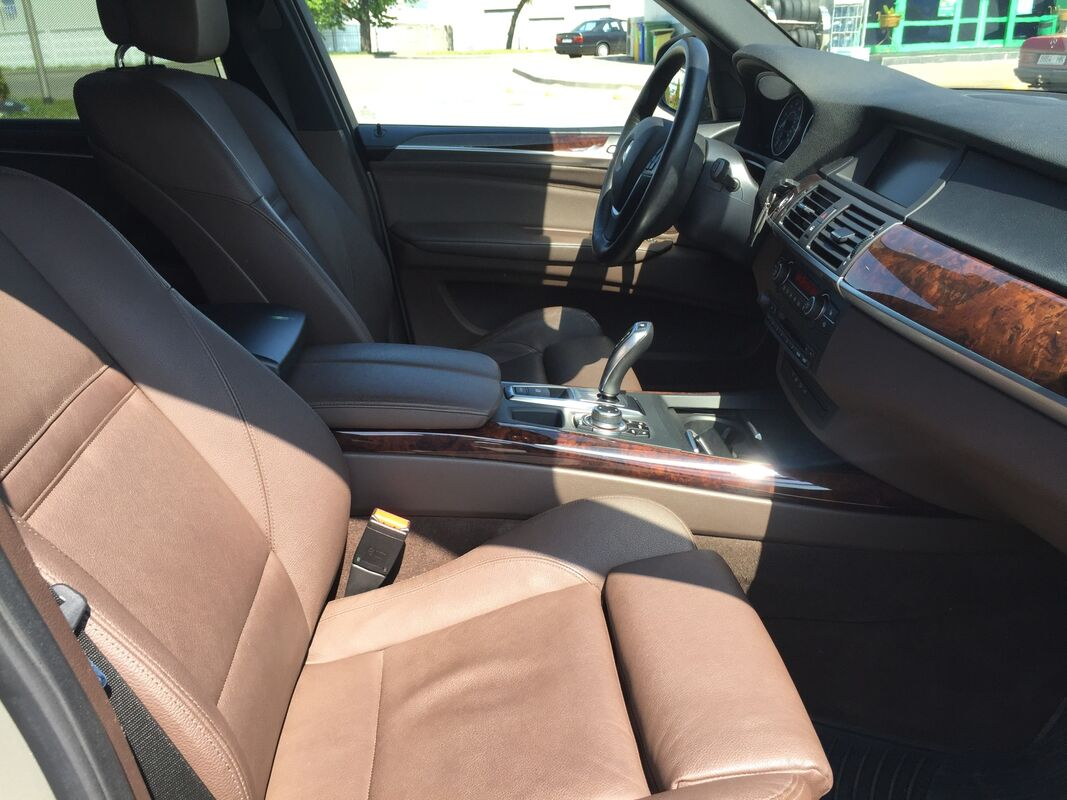 Прокат авто BMW X5 M-Sport - фото 3