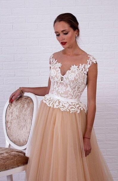 Свадебное платье напрокат Shkafpodrugi Свадебное платье с кружевным белым верхом и пышной юбкой-пачкой 0006-16 - фото 1