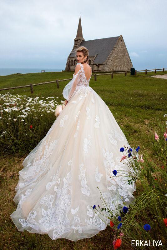 Свадебный салон Bonjour Galerie Свадебное платье ERKALIYA из коллекции BON VOYAGE - фото 2