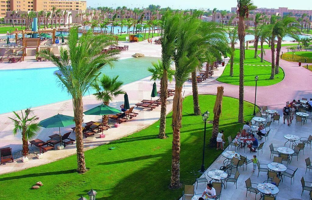 Туристическое агентство Санни Дэйс Пляжный авиатур в Египет, Хургада, Royal Lagoons Aqua Park Resort Hurghada 5* - фото 1