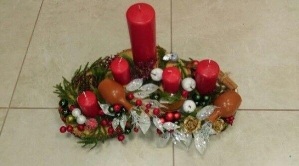 Магазин цветов Florita (Флорита) Новогодняя композиция на натуральной основе на 5 свечей арт. 201220 - фото 1